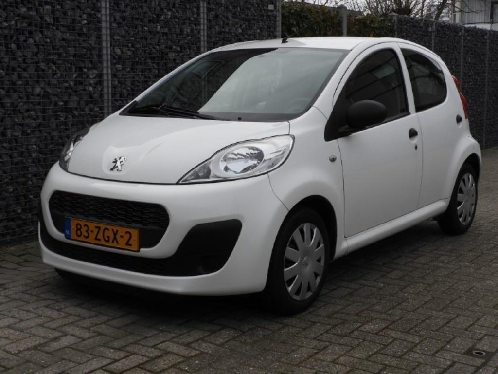 Peugeot-107-thumb